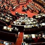 Forza Italia a pezzi, si appella alla rinuncia dell'indennità per un poco di visibilità